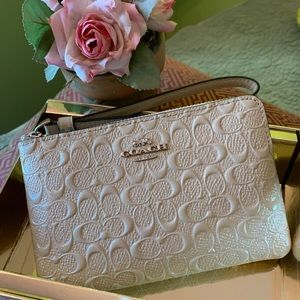 Coach Corner Zip Wristlet Cream Debossed Leather